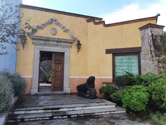 Preciosa Residencia Club Campestre Erandeni
