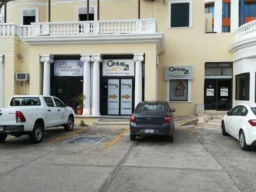 Local Comercial Remodelado Sobre Av. Paseo De Montejo Con Estacionamiento.