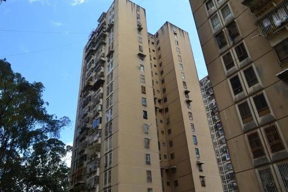 Acogedor Apartamento Acepta Bolivares. #20-10722
