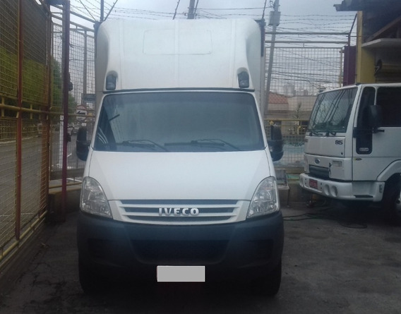 Iveco Daily Chassi 35s14 Com Baú