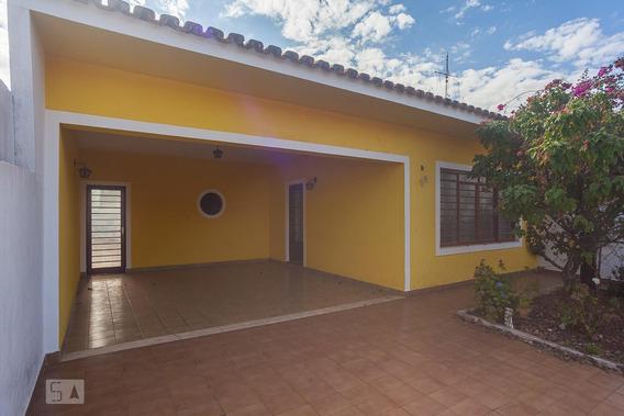 Casa Com 3 Dormitórios E 3 Garagens - Id: 892940448 - 240448