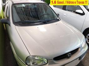 Corsa Sedan 1.0 Mpfi Classic Sedan 8v Gasolina 4p Manual