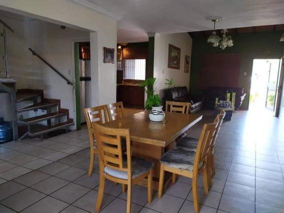 Casa En Venta En Cabudare 20-2175 Mf