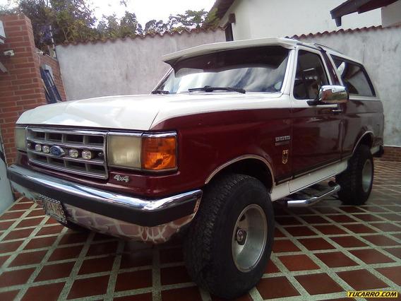 Ford Bronco Xlt 4x4
