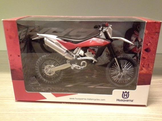 Miniatura Moto Husqvarna Te449 Vermelha 1:12 (18 Cm) Rara