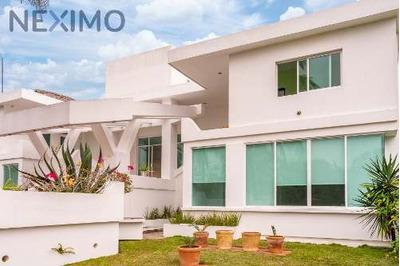 Venta De Preciosa Residencia En Playa De Costa Esmeralda