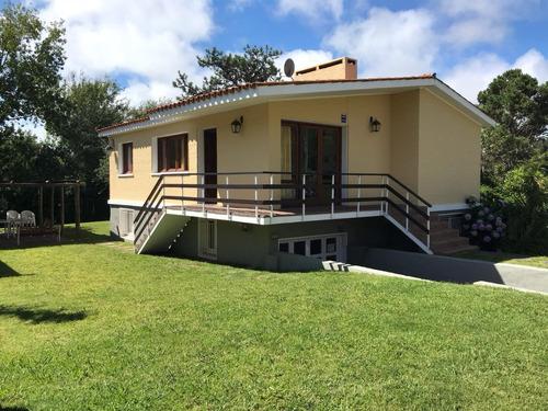 Alquiler Casa En Parada 23 Playa Mansa, Punta Del Este.