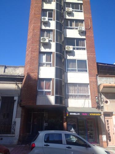Apartamento 1 Dormitorio Muy Amplio, Inmejorable Ubicación!