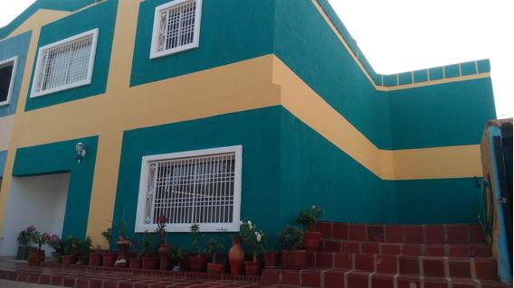 Townhouse Maracaibo Actualizado Cuatro Habitaciones