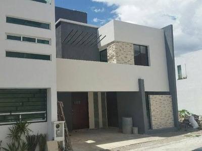 Casa En Venta En Fraccionamiento Britania La Calera Puebla