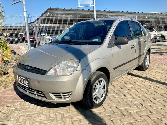 Ford Fiesta Max 1.6 4p Ambiente 2006