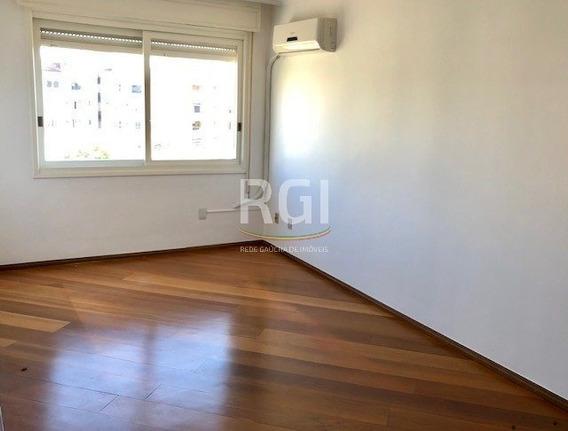 Apartamento Em Petrópolis Com 3 Dormitórios - Bt8532