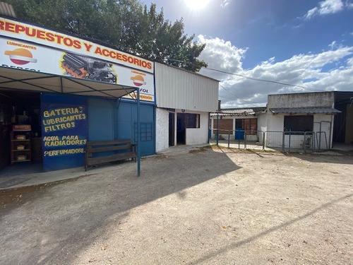 Casa Y Galpones C/oficinas Ruta 8 Km. 26 Esq. Las Acacias.