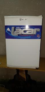 Heladera Bajo Mesada Lacar Frigobar Con Congelador 80 Litros