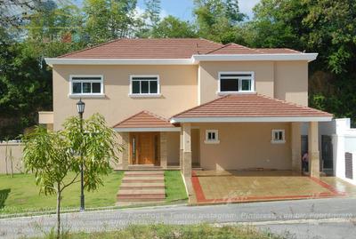 Casa En Venta En Cuesta Hermosa Iii. Id. 1018