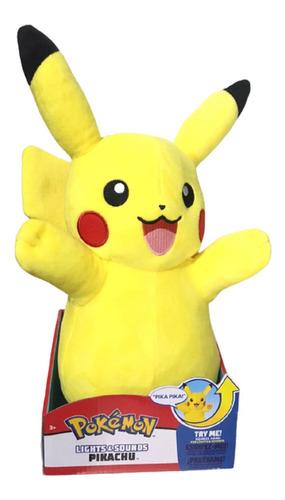 Imagem 1 de 5 de Pelúcia Pokémon 37 Cm - Pikachu Com Luz E Som - Wtc Sunny