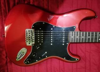 Vendo Guitarra Fender Strat. Y Amplificador