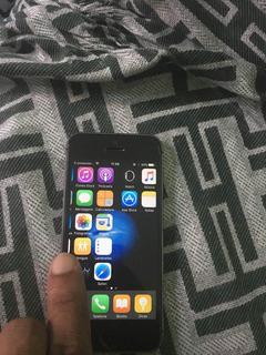 Vende-se Um iPhone 5s Ótimo Estado 1 Ano De Uso Tenho Tud
