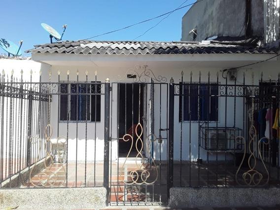 Casa Con Terraza En Barrio San Felipe