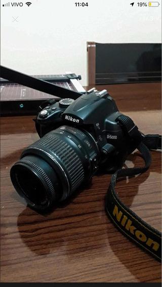 Câmera Nikon D5000 + Lente 18-55 Usada