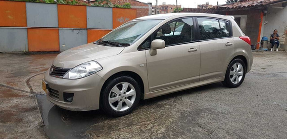Nissan Tiida Tiida Primiun Hb