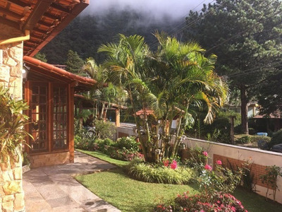 Maravilhosa Casa Linear Com 3 Quartos Em Condomínio No Comary, Teresópolis Rj. - Ca00936 - 32165155