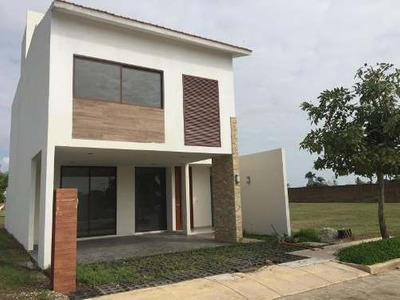 Casa Sola En Venta Residencial Haciendas