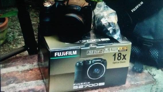 Cámara Fujifilm Finepix S2700