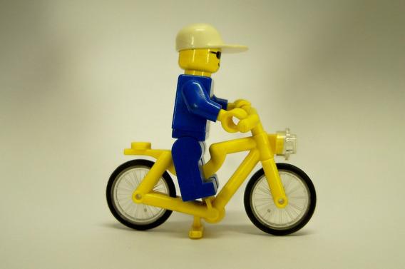 Boneco Lego Antigo Com Bicicleta Década Yellow 1990 Original