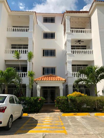 Apartamento En Alquiler 2 Cuartos 3 Banos