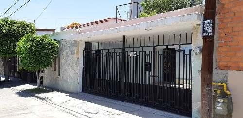 Casa Comercial En Venta En La Granja, Constituyentes Querétaro