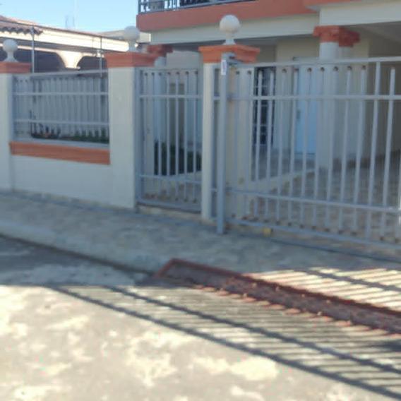 Casa De 3 Habitaciones Y 2 Baños Yapur Dumit Zona Sur