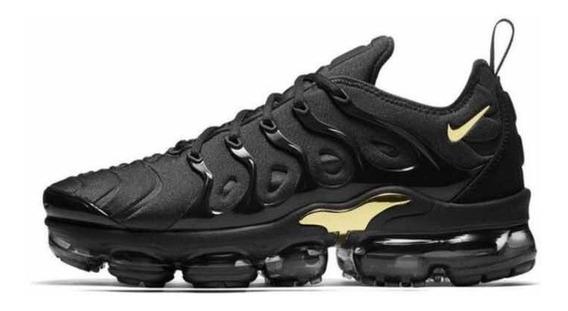 Tênis Nike Vapormax Plus Preto Com Dourado