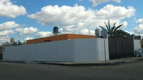 Casa Sola En Venta En Mérida / Ciudad Caucel En Esquina