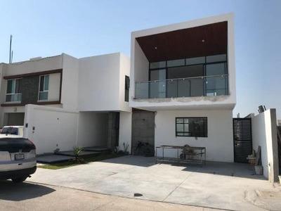 Casa Sola En Venta Frac Residencial El Roble