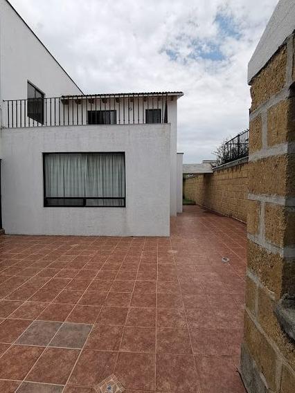 Casa En Renta Privada Juriquilla 3 Recámaras, Jardín, Cuarto De Servicio