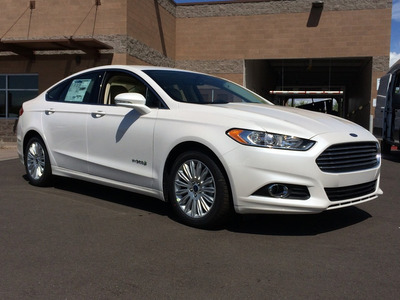 Se Alquila Auto Para Bodas Ford Fusion 2016 O Ford Ecosport