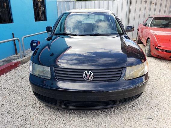 Volkswagen Passat Inicial 70,000