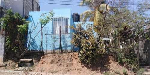 Casa En Venta En El Centro De Puerto Escondido, Oaxaxa/house For Sale In Puerto Escondido, Oaxaca.