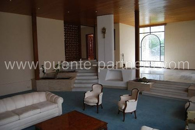 Casa En Renta En Bosques Del Lago. Privada, Jardín, Seguridad (amueblada)