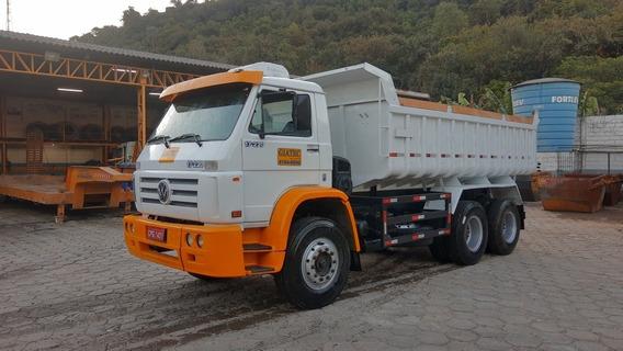 Caminhão Basculante Traçado Caçamba 6x4