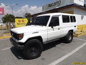 Toyota Macho Basico