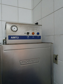 Máquina De Lavar Pratos Industrial Hobart