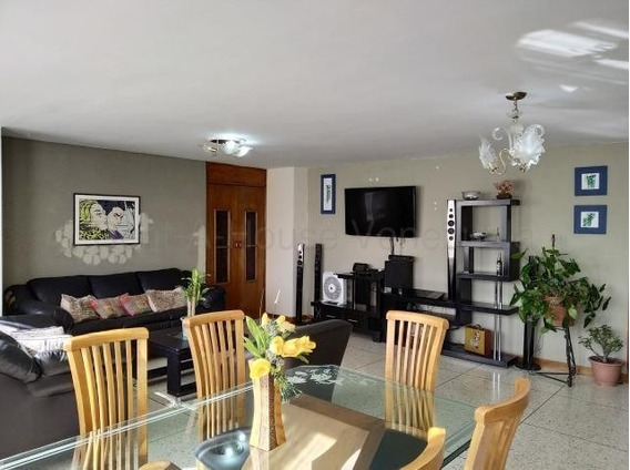 Venta Amplio Apartamento Callejon Prebo 20-9043 Maria Zambra