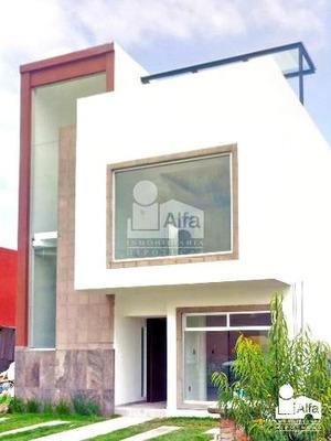 Casa En Condominio En Venta En Santa Cruz Otzacatipán, Toluca, México