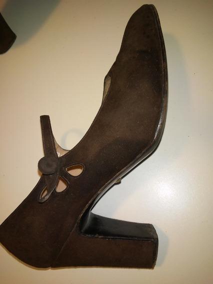 Zapatos De Gamuza Marron De Perugia. T 36. Buen Estado