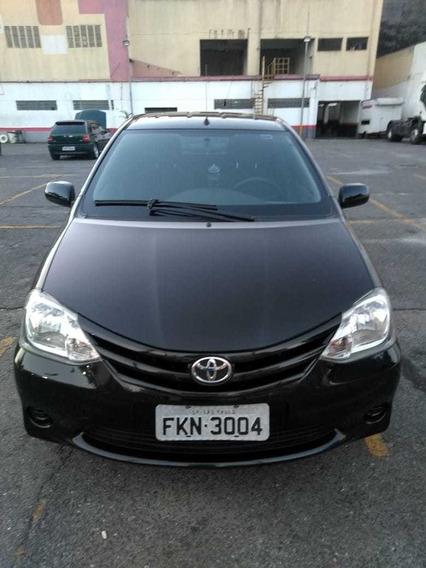 Toyota Etios 1.3 2013 Baixa Quilometragem
