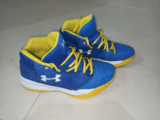 Tenis Originales Under Armour De Jovenes Size 6.5y