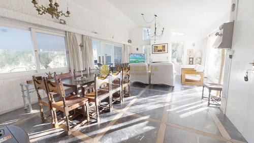 Encantadora Casa En Playa Mansa Consulte!! Con Un Entorno Inigualable- Ref: 2600