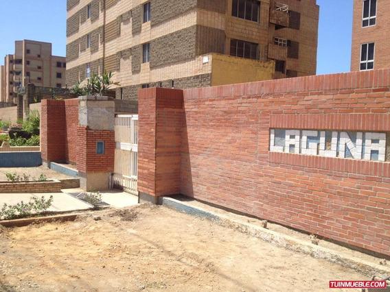 Apartamento En Residencias Laguna Azul - Tucacas